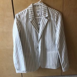 Pin strip, white blazer